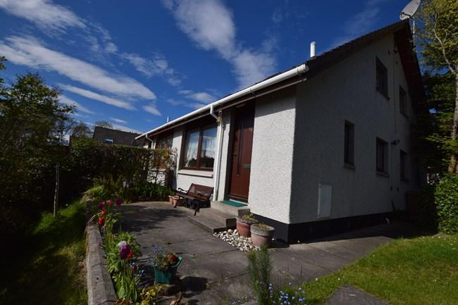 four plex for sale 48 scorguie drive inverness iv3 8sg hspc. Black Bedroom Furniture Sets. Home Design Ideas